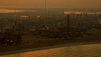 中东海湾地区石油化工厂_原油加工冶炼_海上石油运输和钻井平台