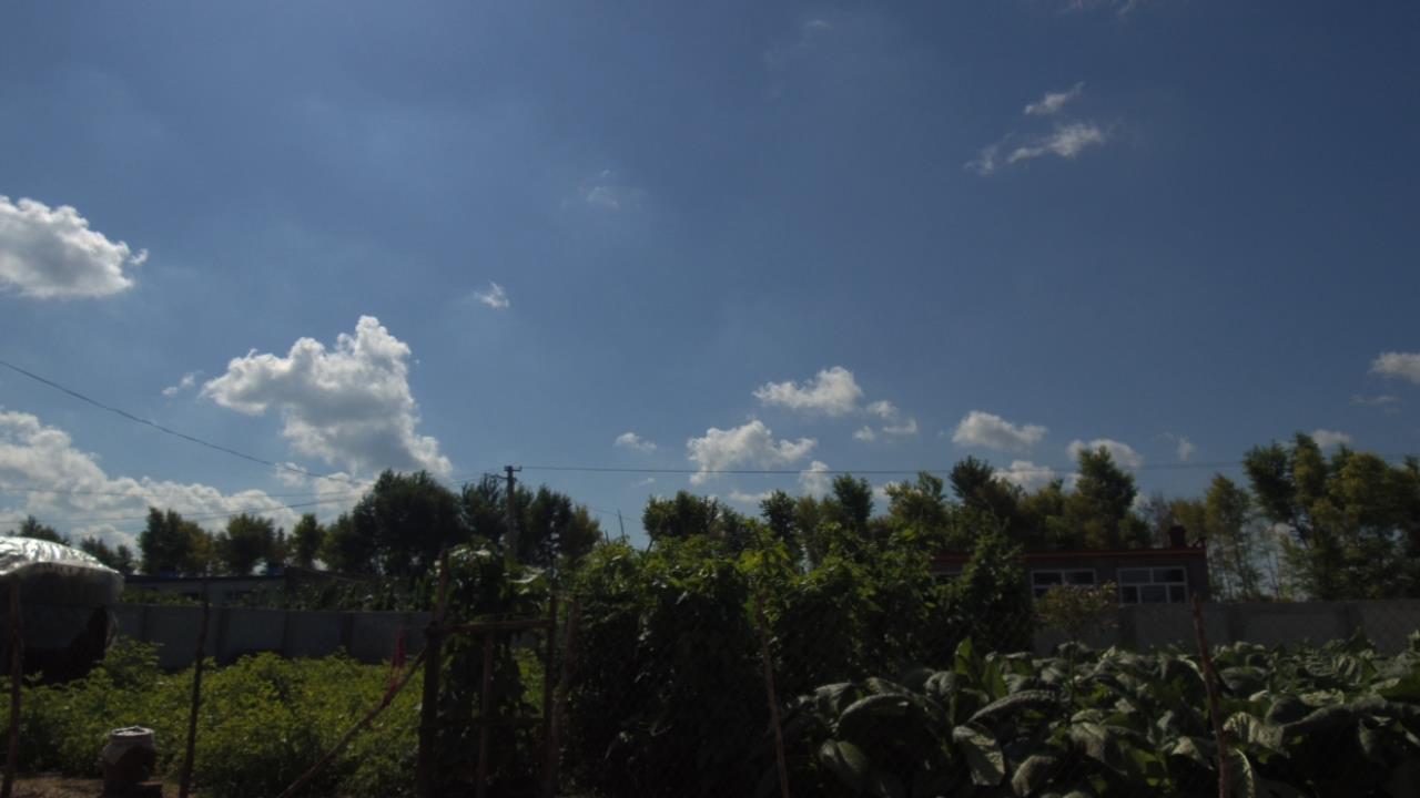 农村里面的云卷云舒