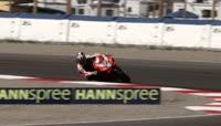 摩托车比赛慢镜头实拍过弯