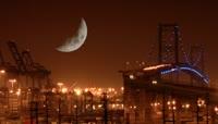 美丽的城市夜景\(弯月高挂\)