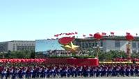 鸽子飞翔-气球飞扬国庆实拍