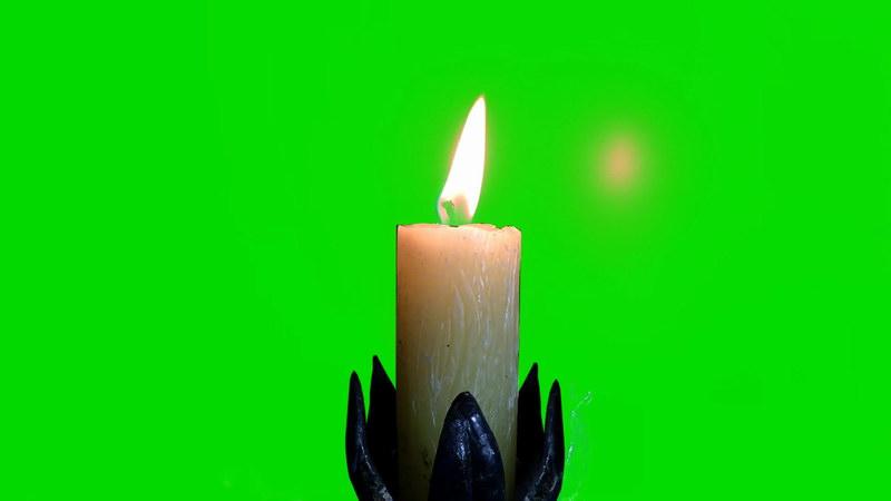 \[4K\]绿屏抠像燃烧的白色蜡烛