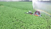 农业机械化洒水喷洒农药