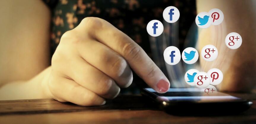 社交媒体\-智能手机\-移动