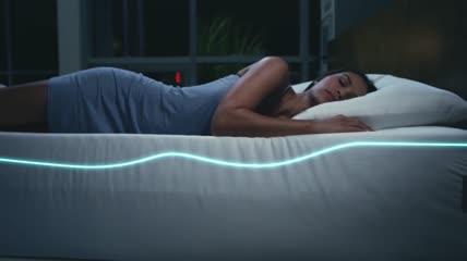 智能席梦思床记忆床垫健康睡眠实拍视频素材