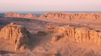 去过三十几个国家,最爱的地方是中国新疆