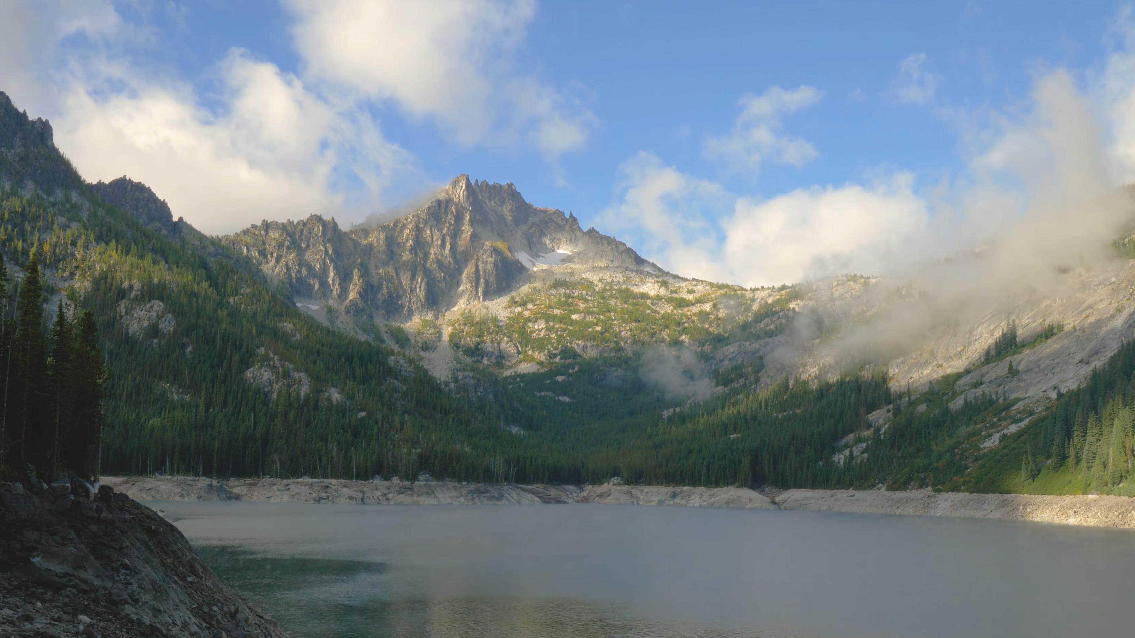湖泊和山脉