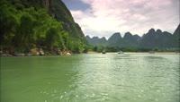 桂林山水甲天下 山水江河岸自然风光旅游景点高清实拍视频素材
