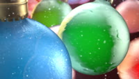 用于装饰节日的彩球高清视频素材3段1