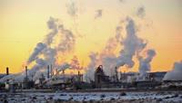 4K化工厂烟囱冒烟大气污染