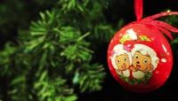 圣诞树上挂着的礼物\-圣诞节元素