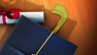 学士帽毕业证等毕业典礼视频素材7