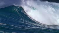 大海巨浪浪花翻滚高清实拍视频素材1080 2