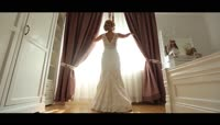 浪漫满屋幸福美丽婚纱新娘实拍视频素材