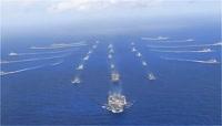 大海海面上航空母舰航母队列视频素材