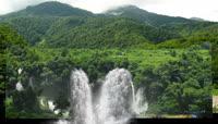 美丽的森林河流瀑布