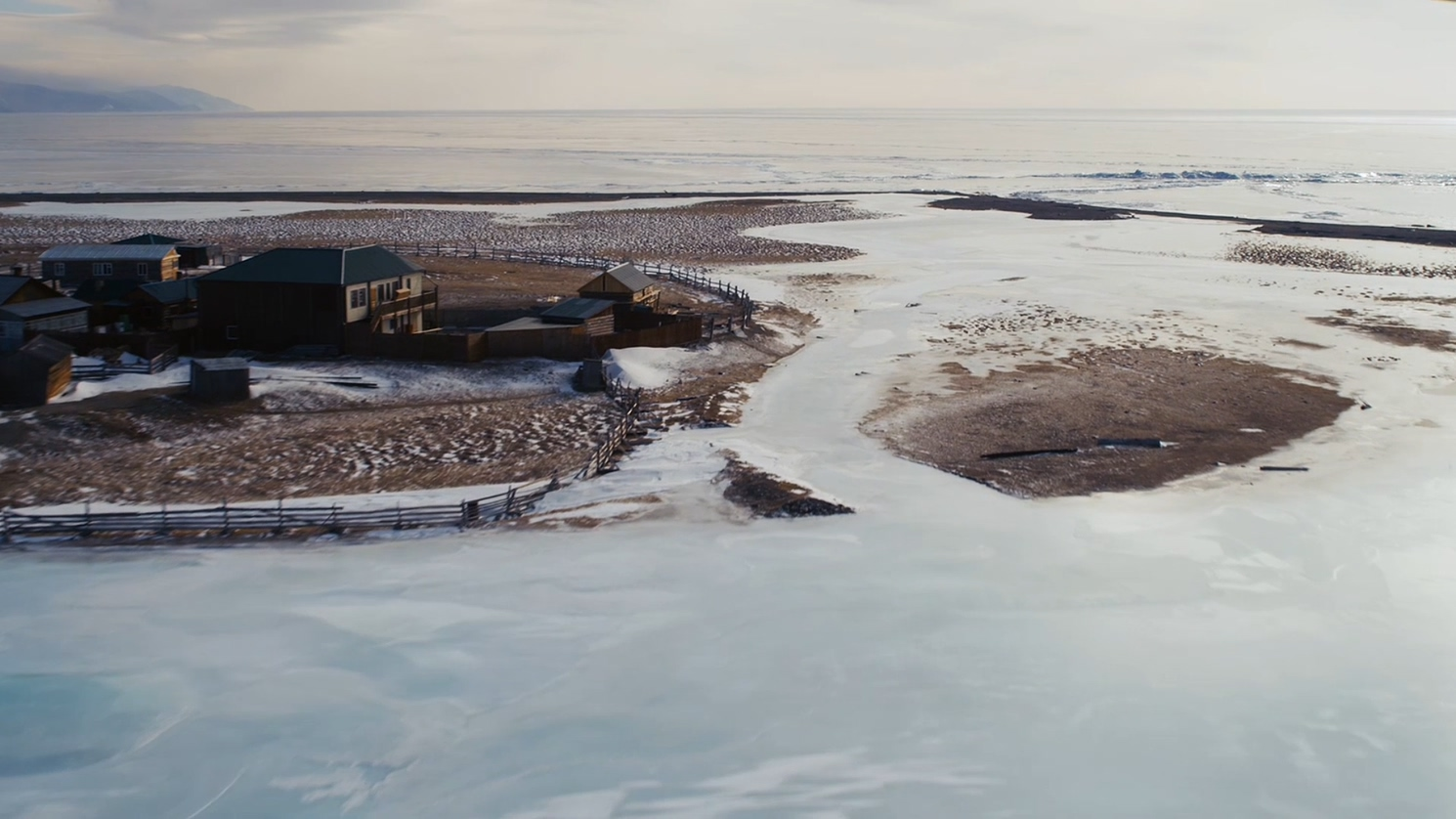 贝加尔湖1 纪录片 冰天雪地 湖面冻结  自然风光 内陆湖 动物  人文