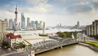 上海浦东繁华景象东方明珠河流车流行驶城市发展