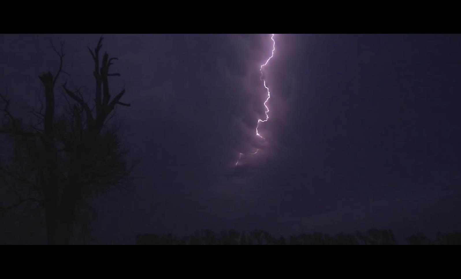 CS 10 闪电风暴