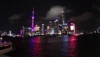 15、上海夜晚汽车交通
