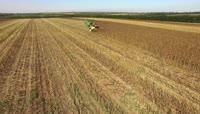 4K航拍农业机械化作业3