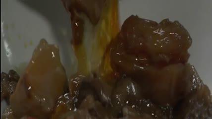 ST01891重庆小面面条油辣子牛肉街头美食