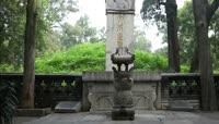 ST01839山东曲阜孔林孔子墓地孔庙大成殿孔子像