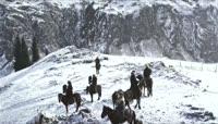 ST01145新疆冬天哈萨克人金雕捕猎骑马雪地金雕俯冲捕捉猎物