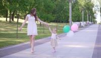 高清家庭孩子成长幸福生活视频素材