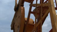 石油开采 油田芦苇 高清实拍视频素材
