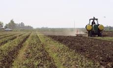 现代机械化农业生产农田耕种