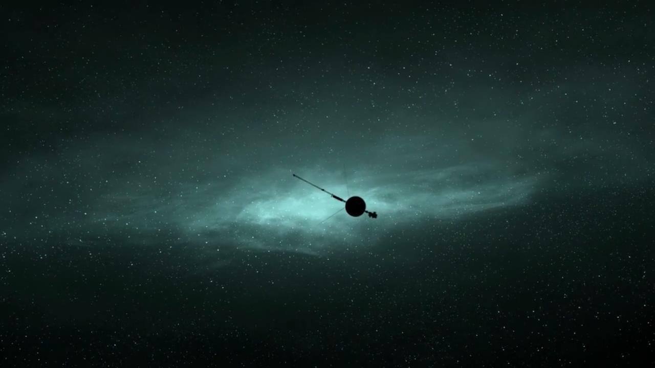 卫星在宇宙穿梭