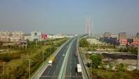 航拍高速公路跨江大桥车流视频素材