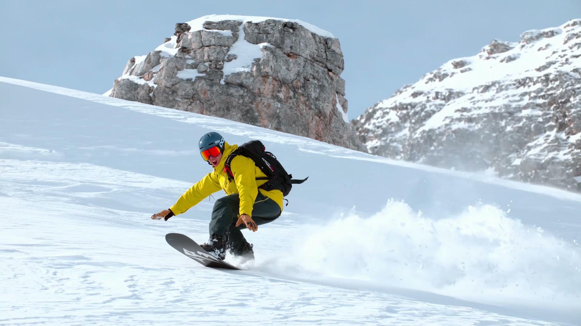 冰天雪地滑雪极限运动航拍视频