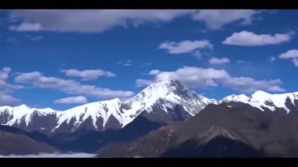 蓝天白云山峰高清视频素材