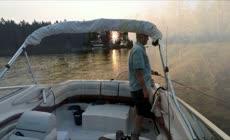 游艇垂钓湖面风景航拍