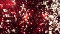 节日的夜晚空中绚烂的焰火循环视频素材