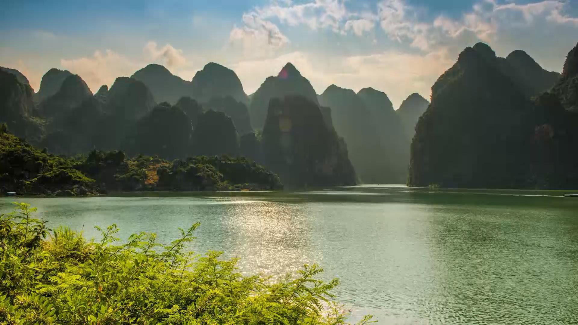 延时摄影万峰湖景色