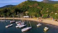 海边度假沙滩游船快艇高清实拍视频素材