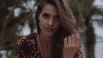 性感美女模特跳舞展示衣服