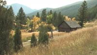 森林间的小木屋高清实拍视频素材