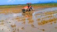 农业机械化\-耕种收割施肥\-梯田茶园