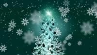 洋洋洒洒的白雪下旋转着的圣诞树